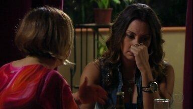 Avenida Brasil - Capítulo de quinta-feira, dia 17/05/2012, na íntegra - Olenka desiste de desmascarar Silas para Monalisa