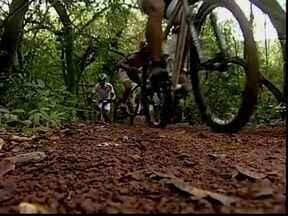 Ciclistas de Uberaba participam da Copa Internacional de Mountain Bike - Atletas treinam para enfrentar o desafio em Divinópolis, nos dias 23 e 24 de junho