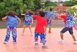Grupo Funk-se dança ao som da música Mercedita - Grupo Funk-se dança ao som da música Mercedita
