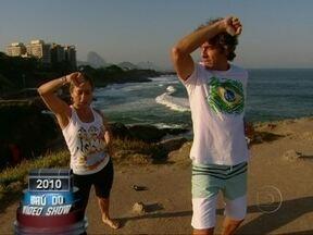 Baú do Vídeo Show: Cissa Guimarães passeia com Alexandre Borges em praia do Rio - Ator participou do quadro Gentem como a Gente em 2010