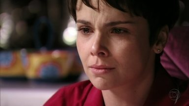 Nina descobre que Tufão matou seu pai - Sem saber que ambas são a mesma pessoa, o jogador confessa que atropelou pai de Rita