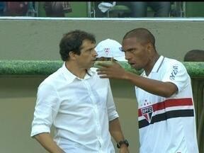 Milton Cruz assume novamente o time do São Paulo e estréia com vitória - O programa Globo Esporte destaca os acertos e os erros do time na partida contra o Cruzeiro, e conversa ao vivo com o técnico.