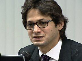 Flávio Zveiter é eleito como novo presidente do STJD - O advogado Flávio Zveiter foi eleito por aclamação. Ele trabalha na justiça desportiva há 12 anos. Ele agradeceu a todos que o elegeram e prometeu dar continuidade ao trabalho que vinha sendo feito no STJD.