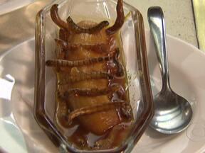 Empresa de MG planeja usar insetos na gastronomia - Hoje as fábricas de ração animal consomem praticamente toda a produção do criatório. Os fazendeiros apostam que, em breve, insetos, ricos em proteína, estejam fazendo parte de vários pratos. Chefes lançam receitas para quebrar o preconceito.