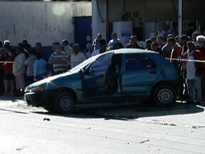 Casal atropelado morre em Guarulhos - O casal morreu na hora. O motorista do carro, que voltava para casa depois de ter comemorado o aniversário dele, admitiu que tinha bebido. Ele não vai ficar preso, pois o delegado entendeu que não houve intenção de matar.