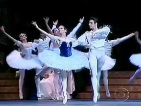 Cidade de Santa Catarina se transforma para receber um dos maiores festivais de dança - O evento comemora 30 anos. Serão 220 horas de espetáculos de graça. Ao todo, seis mil dançarinos participam do festival.