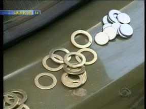 Fábrica de moedas falsas é descoberta em Nova Pádua, RS - Maquinário, matéria-prima e veículos foram apreendidos pela polícia.