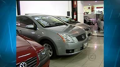 Procon vai multar lojas e concessionárias que descumprirem Códido do Consumidor - Valores dos carros à vista e a prazo devem ficar expostos para os clientes.
