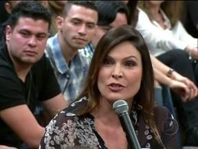 Rita Lee faz uma pergunta sobre sexo para Laura Müller - Sexóloga também responde perguntas da plateia sobre sexo