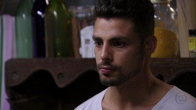 Jorginho e Tufão conversam sobre Rita - O jovem confessa que se lembrou de várias coisas ruins e o pai se preocupa