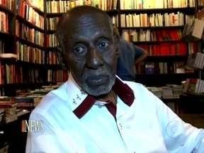 Vídeo Show News: Nelson Sargento lança livro no Rio de Janeiro - Amigos famosos foram prestigiar o mestre do samba