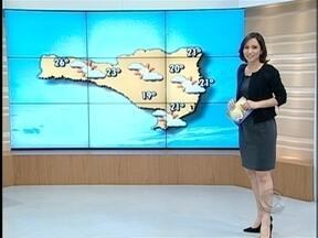Veja a previsão do tempo para todo o estado - O amanhecer desta segunda-feira foi gelado na Serra Catarinense.