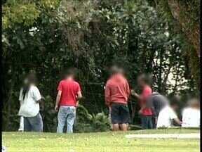 Consumo de droga continua na região do museu Oscar Niemeyer - Problema foi mostrado na semana passada