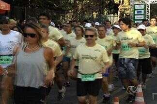 Corrida e Caminhada Esperança reúne mais de mil atletas, em Goiânia - A prova de 6 quilômetros não intimidou os participantes. Número de atletas cresceu em 30% em relação ao ano passado.