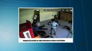 Polícia prende cinco suspeitos de tráfico de droga em Fortaleza - Suspeitos estavam no Bairro São Gerardo, em Fortaleza.