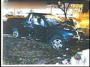Motorista que matou dois homens durante racha em Rio Preto, SP, é condenado - O motorista que matou dois homens durante um racha em São José do Rio Preto (SP) foi condenado a 14 anos de prisão. O julgamento demorou 11 horas. O acidente ocorreu em agosto de 2005. O motorista pode recorrer em liberdade.