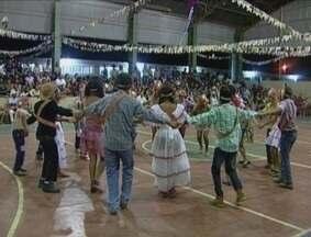Festival de quadrilhas movimentou Vilhena, RO - Escola Marechal Rondon organizou o primeiro festival de quadrilha que reuniu dezenas de visitantes.
