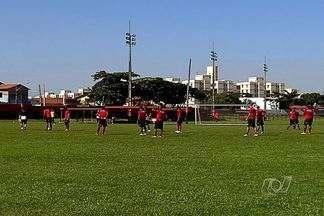 Atlético-GO visita o Corinthians no Pacaembu - Dragão tenta surpreender rival e sair da vice-lanterna do Campeonato Brasileiro.