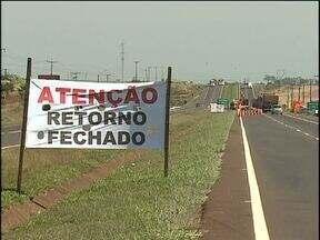 Retorno é fechado na BR 277 em Cascavel - Acidentes graves foram registrados no local.