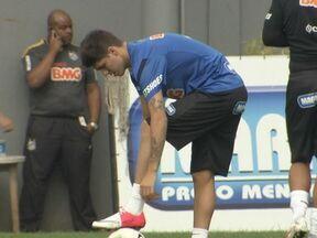 Santos repete time do último jogo para pegar o Atlético-GO, mas com Patito no banco - Mas com situação regularizada, argentino já fica a disposição de Muricy Ramalho no banco de reservas