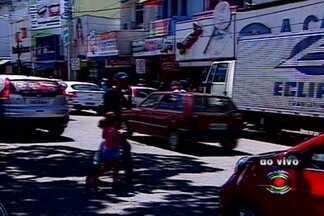 Muito movimento na véspera de dia dos pais no Centro de Campina Grande - Muitos Campinenses deixaram para comprar o presente do pai de última hora.