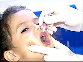 Campanha para atualizar vacinação infantil começa neste sábado (18) - Começa neste sábado (18) uma campanha do Ministério da Saúde para vacinar crianças que por algum motivo perderam alguma das imunizações previstas para os menores de cinco anos. Em Votorantim, 11 postos farão o atendimento. Em Sorocaba, 30 unidades.
