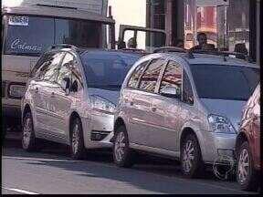 Frota de carros se renovou nos últimos anos com facilidades de compra - Redução do IPI vai até o fim do mês e por enquanto governo diz q não haverá prorrogação