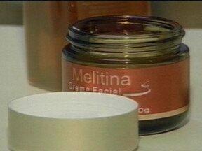 Veneno de abelhas é utilizado na produção de cosméticos - Segundo especialistas, estimula a irrigação sanguínea e aumenta a produção de colágeno.