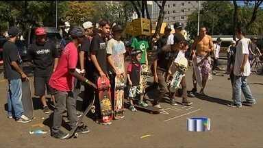 Dia Internacional do Skate é comemorado - Skatistas de São José dos Campos comemoram dia do esporte.