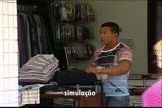 Comentarista dá dicas para comerciantes evitarem furtos de roupas em lojas no ES - Equipe de reportagem simulou crime.
