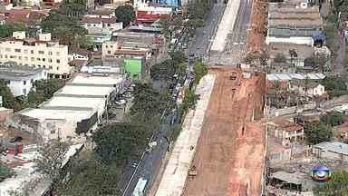 Obras na Avenida Pedro I alteram trânsito na região - Motoristas enfrentam tráfego lento no local.
