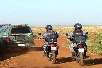 Operação contra tráfico de drogas prende 15 em Dourados - Quinze pessoas foram presas nesta quarta-feira, em Dourados, durante uma operação da Polícia Militar para combater o tráfico de drogas e furto de veículos.