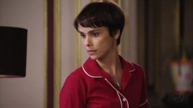 Nina dá um prazo para Carminha sair de casa e Janaína escuta - Ivana conta para a família que Max comprou uma lancha e deixa Tufão intrigado. Janaína questiona Nina sobre a ameaça que ela fez a Carminha