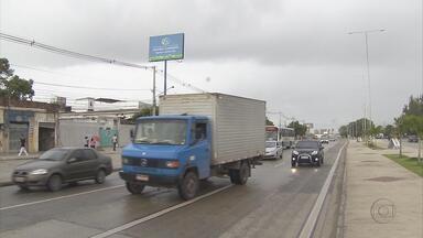 Obras de duplicação na Estrada da Batalha são concluídas - Na via passam 55 mil carros por dia. Agora, o constante engarrafamento que havia na estrada deu lugar a um trânsito tranquilo.