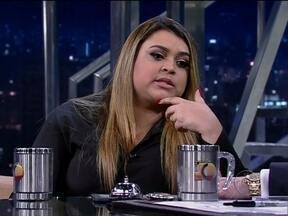 """Preta Gil mostra músicas do seu CD """"Sou Como Sou"""" - A cantora é garota propaganda plus size de uma famosa marca de roupas e foi escolhida por outra para representar as diferentes belezas do país. Diz ter parado de brigar com a balança: agora, só briga com o exame de sangue."""