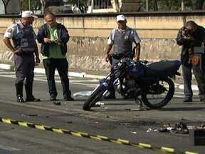 Acidente com três motos para o trânsito em São Paulo - Lucy Mari Sato estava em uma moto com o marido na Avenida Aricanduva, quando foi fechado por outro motoqueiro e bateu em um carro. Um terceiro motociclista que vinha logo atrás, não conseguiu desviar e também se foi para o chão.