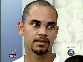 Operário conta que ficou anestesiado em acidente com vergalhão: 'Não doeu!' - Ana recebe Eduardo Leite que sobreviveu a vergalhão atravessado na cabeça