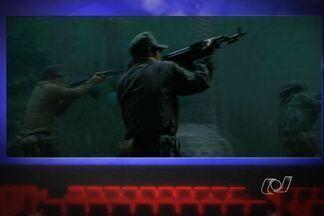 Filmes 'Os Mercenários 2' estreia nos cinemas de Goiânia - O longa metragem traz no elenco Schwarzenegger, Sylvester Stallone e Bruce Willis. A trama tem início a partir do assassinato do personagem vivido por Mickey Rourke.