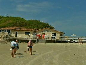Casa da família do Tufão, da novela Avenida Brasil, vira ponto turístico em Cabo Frio - Localizada na Praia do Peró, a casa do Tufão em Cabo Frio na novela, é na verdade um restaurante e tem chamado a atenção de curiosos e turistas.