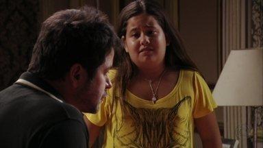 Ágata fala para Tufão não ficar com Nina - O ex-jogador se irrita com a marcação cerrada de Muricy e Ivana e descobre que Cadinho passará uns tempos na mansão