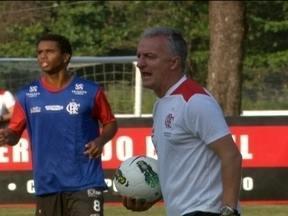 Após três derrotas seguidas, Flamengo se preocupa com rebaixamento, no Brasileiro - Pior campanha do segundo turno fazem jogadores ficarem de alerta ligado.