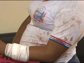 Jovem é ferida com faca em briga na escola, em Salvador - A polícia acredita que a briga foi provocada por ciúmes. As duas adolescentes vão ser encaminhadas para a Vara da Infância e Juventude, e devem cumprir medidas sócio-educativas.