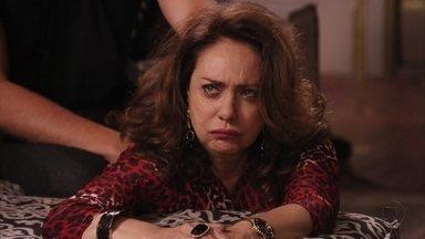 Muricy se sente culpada por ter traído Adauto - Ela manda Leleco ir embora da mansão e teme que Tessália conte para Adauto que ela tem um caso com o ex-marido