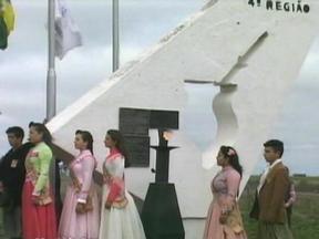 Começam os festejos farroupilhas em Uruguaiana - A chama crioula chegou nesta terça-feira ao marco das três divisas para ser distribuída aos municípios da 4ª Região Tradicionalista.
