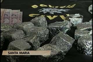 Polícia apreende 1,3 Kg de maconha transgênica em Santa Maria, RS. - Segundo a polícia, a droga não tem semestes e é mais forte do que a maconha comum.