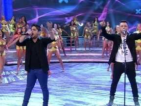 Jorge & Mateus cantam o nosso sucesso 'Flor' - Dupla sertaneja agita a plateia do Faustão