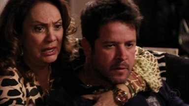 Tufão agride Max - O ex-jogador se lembra das acusações de Jorginho. Adauto conta para Muricy que beijou Olenka. Max provoca o cunhado e acaba levando um soco