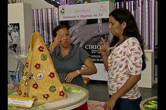 """Exposição sensorial sobre o Círio é aberta em shopping de Belém - Exposição """"Símbolos e objetos da fé"""" é voltada para portadores de necessidades especiais."""