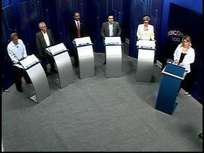 Assista ao primeiro bloco da corrida eleitoral em Divinópolis - Debate foi realizado na noite desta quinta-feira (4).
