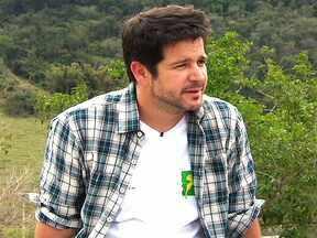 Murilo Benício nega estar namorando Débora Falabella - O ator Murilo Benício disse que teve que trabalhar muito para construir o Tufão, de 'Avenida Brasil'. Ele elogiou a inteligência e a generosidade do elenco e fez piada sobre um possível envolvimento com a atriz Débora Falabella.